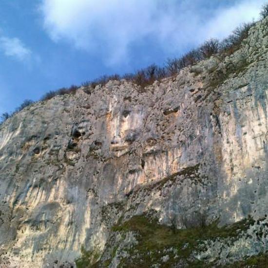 Les falaises du Roc de Chère